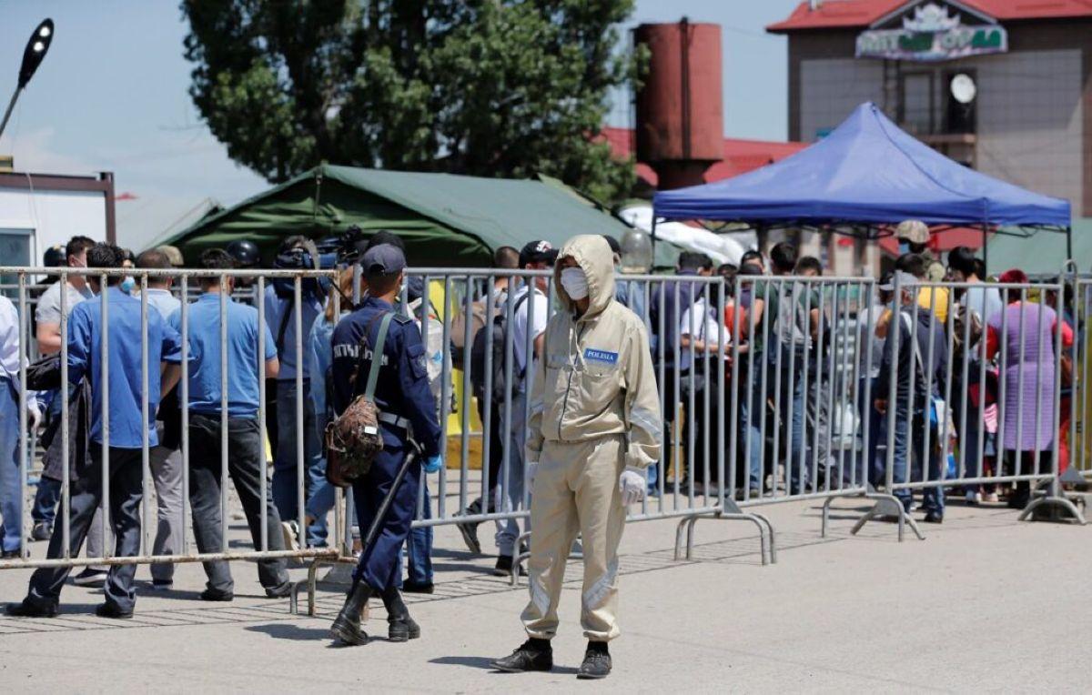 Блок-бекеттерде 700-ге тарта полицей жұмыс істеуде