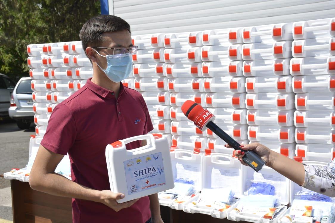Жасотандықтар «Шипа» жобасы бойынша 300 отбасыға дәрі-дәрмек таратты