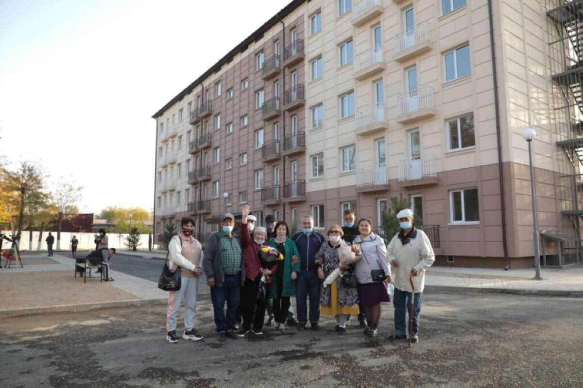 Бауыржан Байбек өрт салдарынан баспанасыз қалған тұрғындармен жүздесті