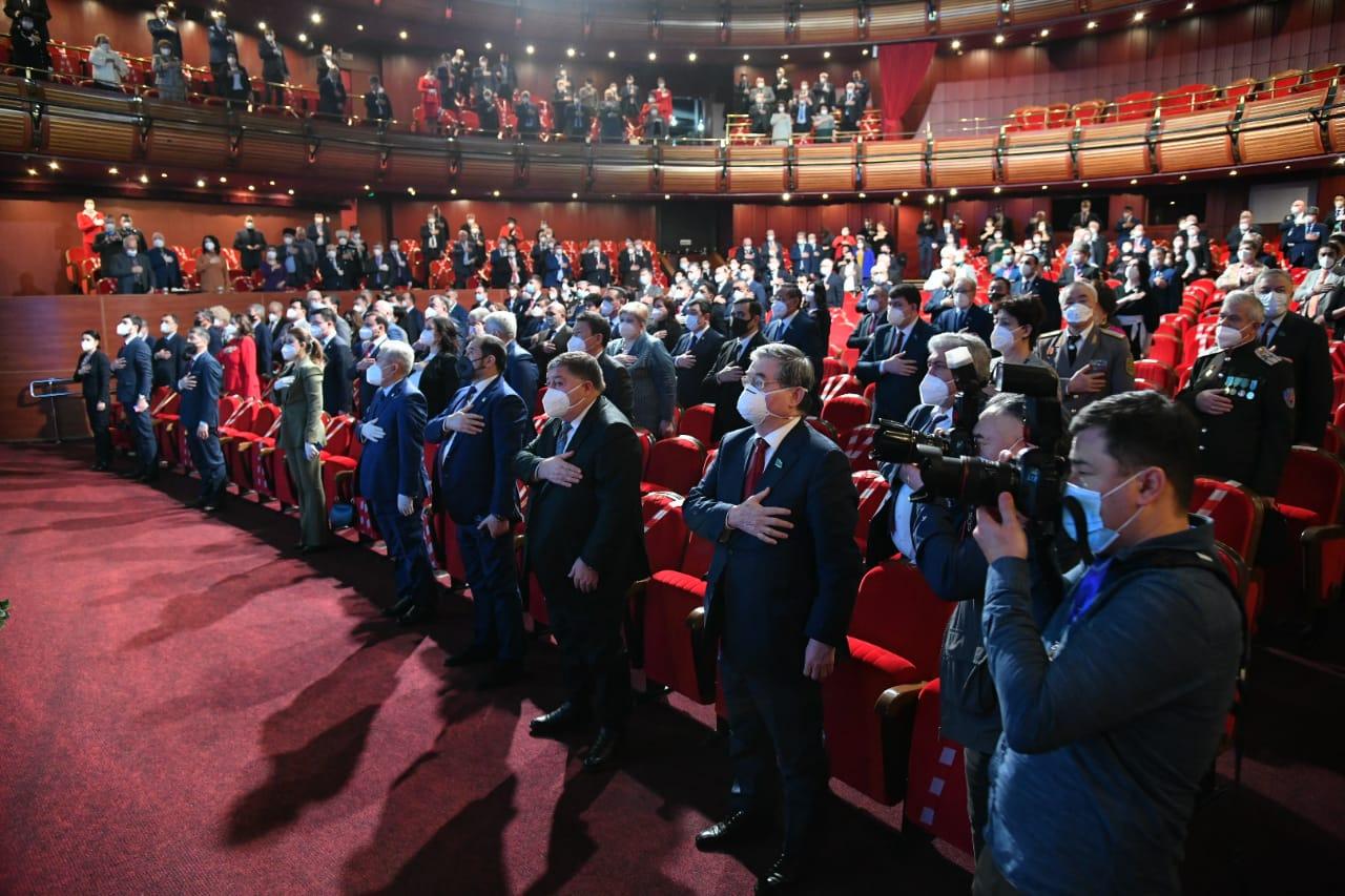 Бүгін Қазақстан халқы ассамблеясынан депутаттарды сайлауға кімдер келді?