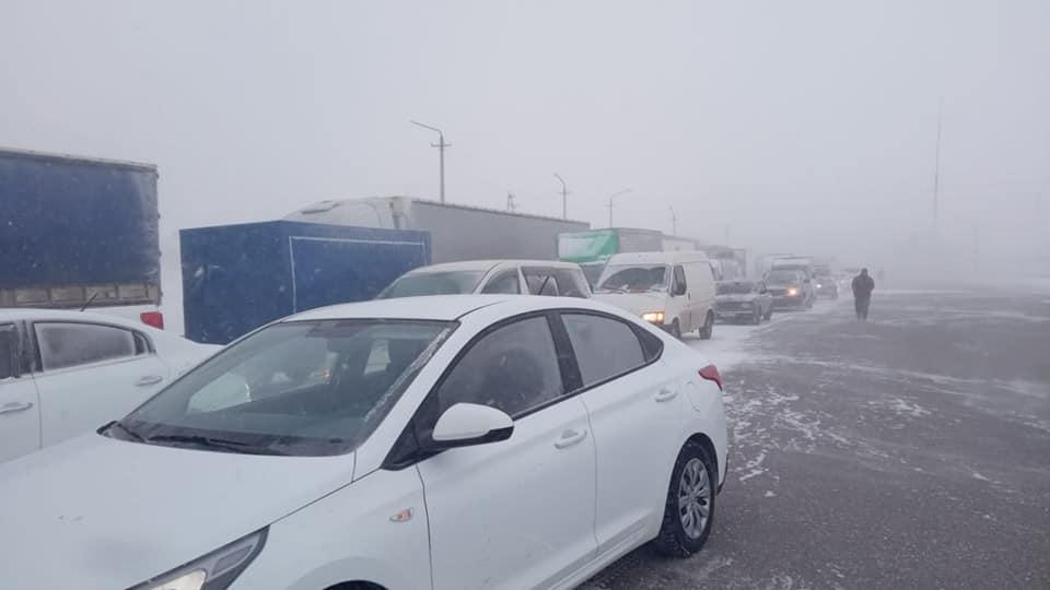 Нұр-Сұлтан-Щучинск күре жолында 500 метрден астам кептеліс пайда болды 1