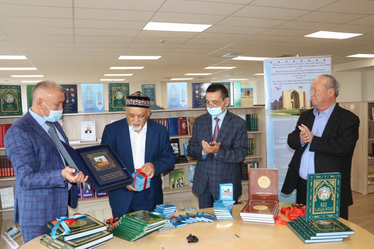 Түркістан тарихына қатысты тарихи кітаптардың тұсаукесері өтті 1