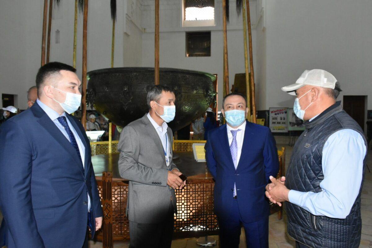 Вице-министр Түркістанда Абылай ханның хатын табыстады 2