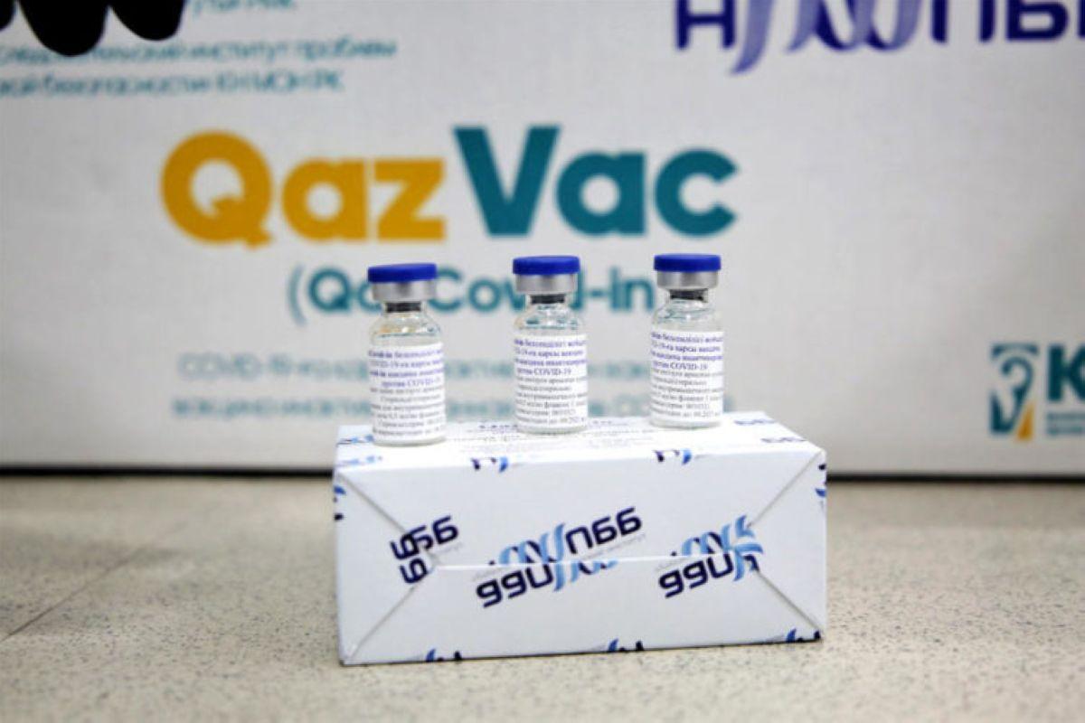 Бас санитар дәрігер QazVac вакцинасына қатысты қаулыға қол қойды
