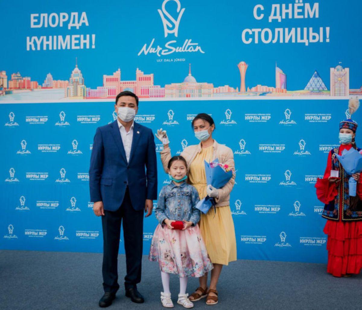 Астанада көптен бері тұрғын үй кезегінде тұрған азаматтар баспаналы болды – Алтай Көлгінов