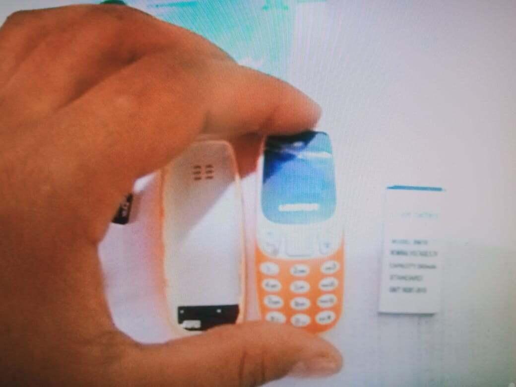 Телефонды аяқкиімге жасырып, абақтыға өткізбек болған 23 жастағы қыз ұсталды