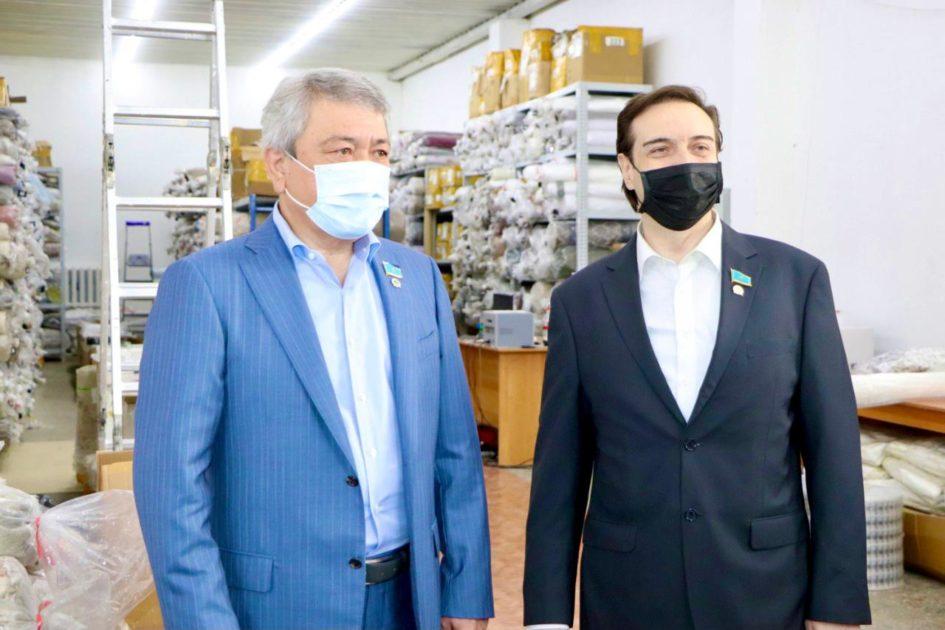 Мәжіліс депутаттары Алматыда жүзеге асатын жаңа жобалармен танысты